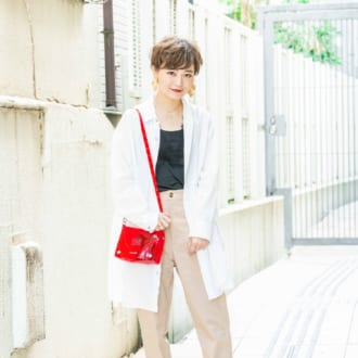 """【Today's mer SNAP】脱コンサバ!  """"白シャツ×チノパン""""を今っぽく着こなし"""
