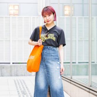 【Today's merSNAP】定番Tシャツ×デニムを小物で今年らしくアップデート!