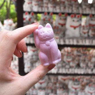 TOKYO和菓子さんぽ vol.1 招き猫型がキュートな亀屋の「招福もなか」