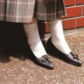【足元おしゃれの新常識】靴下はスカートの裾にかかるくらいがかわいい!