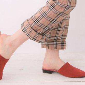 """これからの足元おしゃれは、""""赤色 × 秋トレンド""""でさらに可愛く!"""