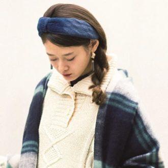 【明日のコーデ】白ニット×花柄ボトムスの女子コーデを大人っぽく見せるには?