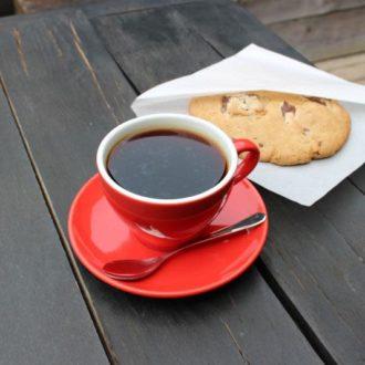 【アパレル併設のおしゃれカフェ①】原宿の隠れ家「DeeTA JEANS & BAR + Alpha Betti Cafe」