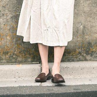 【明日のコーデ】夏服に足すだけ。足元ローファーで秋っぽく