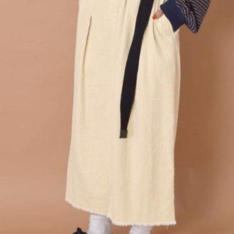 素材で差をつける! 秋の最新マキシ丈スカート