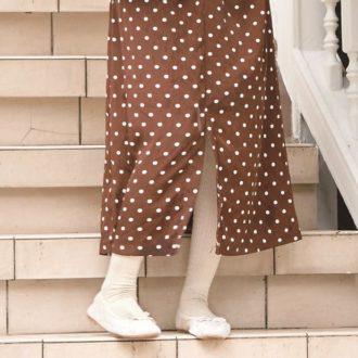 """【明日のコーデ】冬のタイツコーデは、""""靴と色をそろえる"""" がこなれ見えのコツ!"""