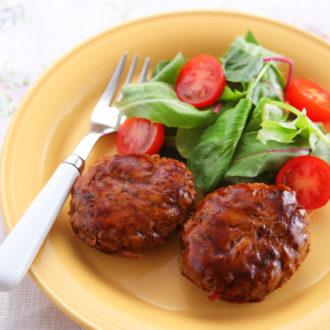 低カロリーでも満足!夏に食べたい簡単ヘルシーレシピ ~牛ごぼうのハンバーグ~