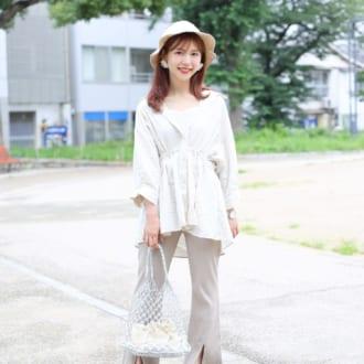 【Today's merSNAP】リネンシャツで夏のワントーンコーデがアカ抜ける!