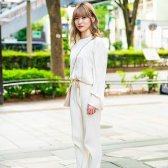 【Today's merSNAP】オールホワイトコーデで失敗しない!オシャレさんはどう着こなす?