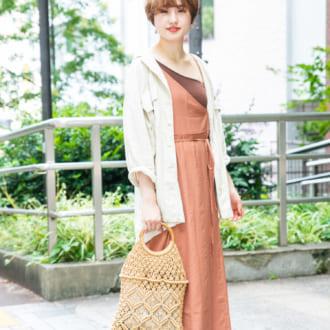 """【Today's merSNAP】着るだけで即こなれる! 秋もまだまだ""""ワンショル""""に夢中♡"""