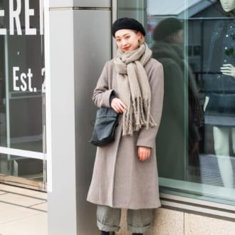 【Today's merSNAP】キレイめコートをカジュアルに。大人女子のこなれ着こなしテク