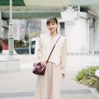 【Today's merSNAP】フリルと小花柄でとことんガーリー♡ 大学生の春ワンピコーデ