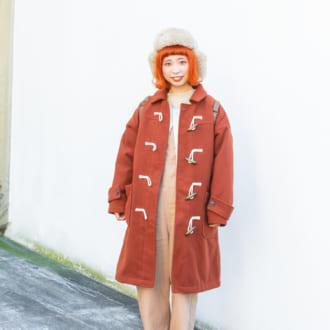 【Today's merSNAP】一見派手すぎ? オシャレ女子はオレンジダッフルをこう着こなす♡