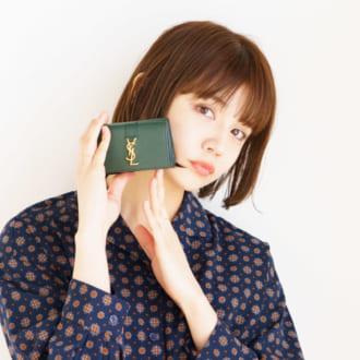 ミニバッグに入れるならコレ! モデルが使ってるハイブランド「ミニ財布」大発表♡