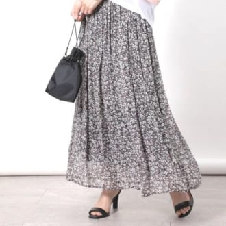 女っぽさがふわり。春ムード高まるフレアスカート5選
