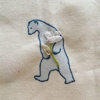簡単なのに凝って見える! 刺繍と合わせて使いたい「リボン刺繍」って知ってる?