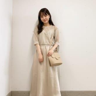 【Today's merSNAP】×シアートップスで旬顔に♡ ショップスタッフのワントーンコーデ術