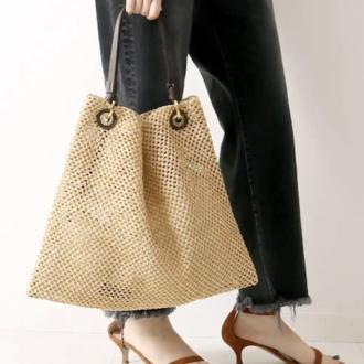 どんな形がトレンド?季節感をプラスする「夏素材バッグ」5選
