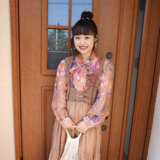 【Today's merSNAP】透けシャツ×花柄で鮮度アップ♡ レトロ可愛い古着MIXコーデ