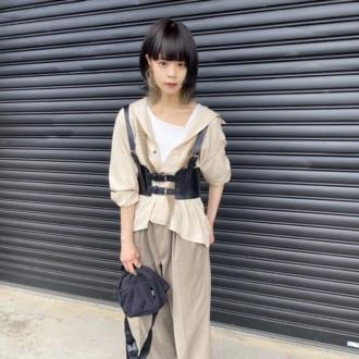 【Today's merSNAP】古着屋スタッフがお手本♡ ハーネスで作る甘辛コーデのコツは?