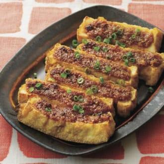 低糖質なのに満足度高めのおつまみレシピ♡ 厚揚げのごまみそ焼き&もやしのたらこバターあえ