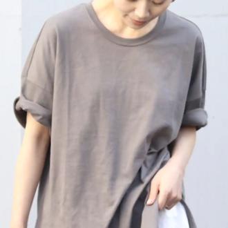 定番色よりおしゃれ。Tシャツはニュアンスカラーが断然今っぽい!