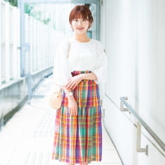 【Today's merSNAP】1枚で華やか♡ 古着のカラフルスカートを大人っぽく纏うには…?