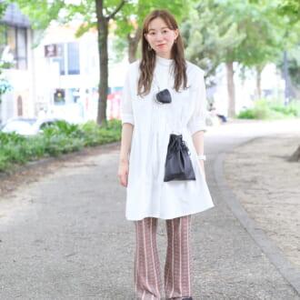 【Today's merSNAP】オシャレさんのお手本白シャツ着こなし♡ ×柄パンツでトレンド感たっぷりに