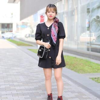 【Today's merSNAP】個性的な小物で魅せる♡ 甘辛ブラックの着こなし方