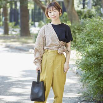 "【Today's merSNAP】""アレンジ""で周りと差をつける! こなれ感溢れるオシャレ女子の柄シャツコーデ"