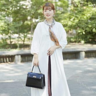 【Today's merSNAP】大人可愛いを実現♡ オシャレ女子に学ぶ、秋の白ワンピコーデ