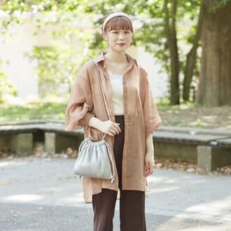 【Today's merSNAP】オシャレ女子必見! ヘビロテ確実な秋のシアーシャツコーデ♡