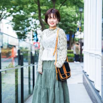 【Today's merSNAP】秋も花柄が可愛い♡ 素材で遊ぶレトロガーリーコーデ