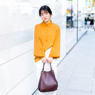 【Today's merSNAP】オレンジ×革小物で大人可愛い♡ シティガールの秋コーデ