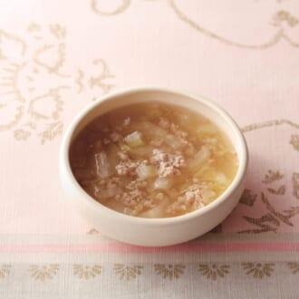 寒~い日も体の芯からほっこり温まる「白菜としょうがのそぼろスープ」