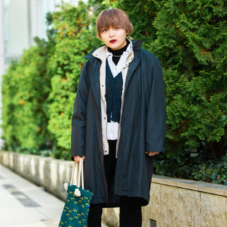 【Today's merSNAP】「重ね着」で脱平凡! グリーン・ブラック・ホワイトで作る冬の3色コーデ