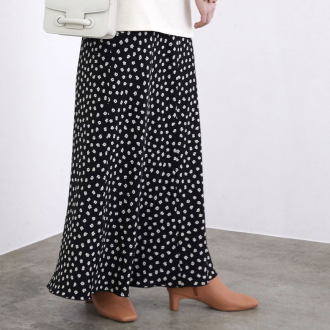 今買って春も活躍。シーズンレスで使える「買い足しスカート」3選