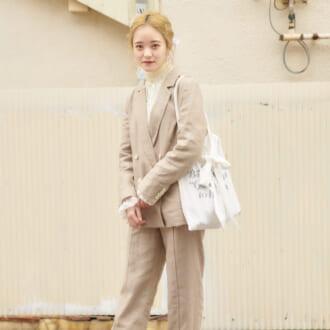 【Today's merSNAP】ベージュがやっぱり可愛い♡ この春オススメの「セットアップ」コーデ