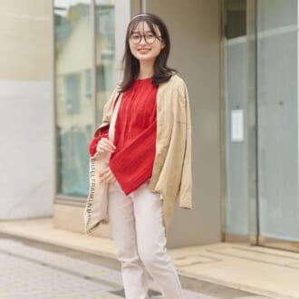 【Today's merSNAP】真っ赤なカーデで春らしく♡ リラックスムード漂うフレンチスタイル