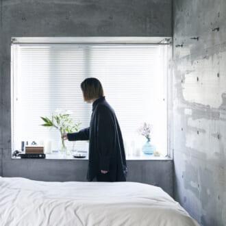 """【オシャレなお部屋に潜入!】憧れの""""コンクリートのお部屋""""で叶えるスタイリッシュなマイルーム"""