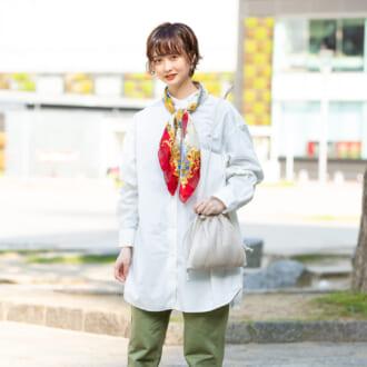 【Today's merSNAP】ユニクロの「ビッグシャツ」が主役♡ こなれ感溢れるワークスタイル