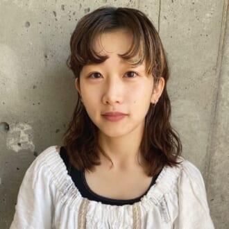 """梅雨の""""ぺたんこ髪""""を解決! 人気美容師が教えるふんわりキープの「ドライヤー方法」って?"""