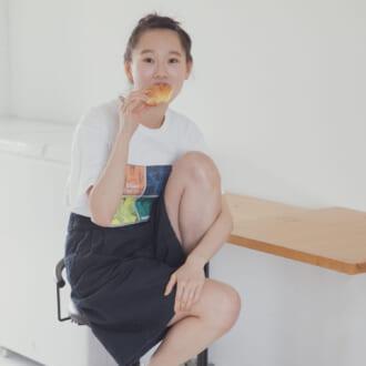 インもアウトも可愛い! 辻千恵の「プリントT」の着まわしテク