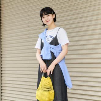 "【Today's merSNAP】ワンピコーデが超こなれる! ""ユニクロシャツ""のハイセンスな取り入れ方"