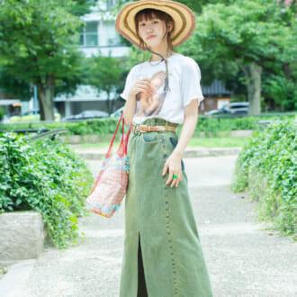 【Today's merSNAP】小物使いで差が付く♡ 夏定番・Tシャツ×デニムコーデの攻略法