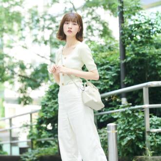 【Today's merSNAP】ゆるピタシルエでモテ度UP♡ シルエット重視のホワイトコーデって?
